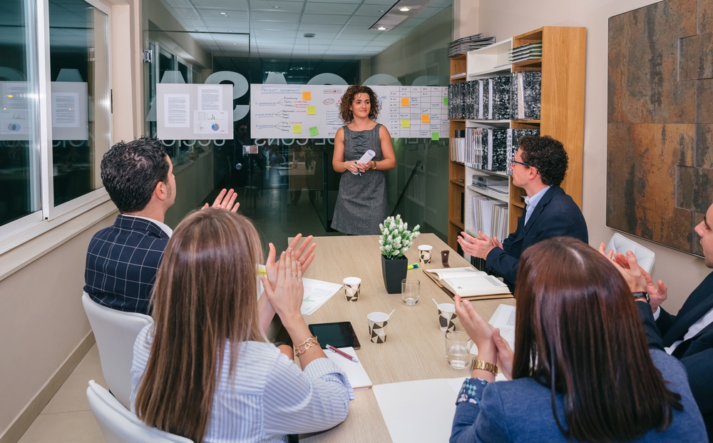 How Employee Recognition Can Make You a Better Leader